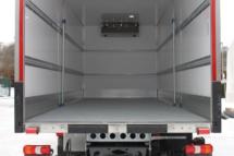 Ausstattung - Heckvariante - Iso-Rolltor pneumatisch