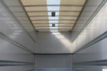 Lichtband im Dach
