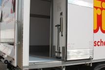 Ausstattung - Seitentuer als Fluegeltuer 1.000 mm breit