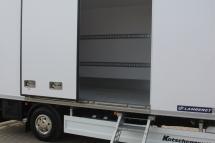 Ausstattung - Seitentuer als Schiebetuer 1.400 mm breit