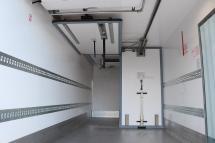 Temp-Rueckhaltesystem - Quertrennwand 2-geteilt an 1 Paar Dachschienen