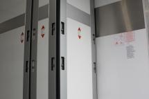 Temp-Rueckhaltesystem-Trennwand quer einteilig, klappbar und entnehmbar