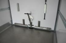Temp-Rueckhaltesystem-Trennwand quer mit ueberdruck-Klappe