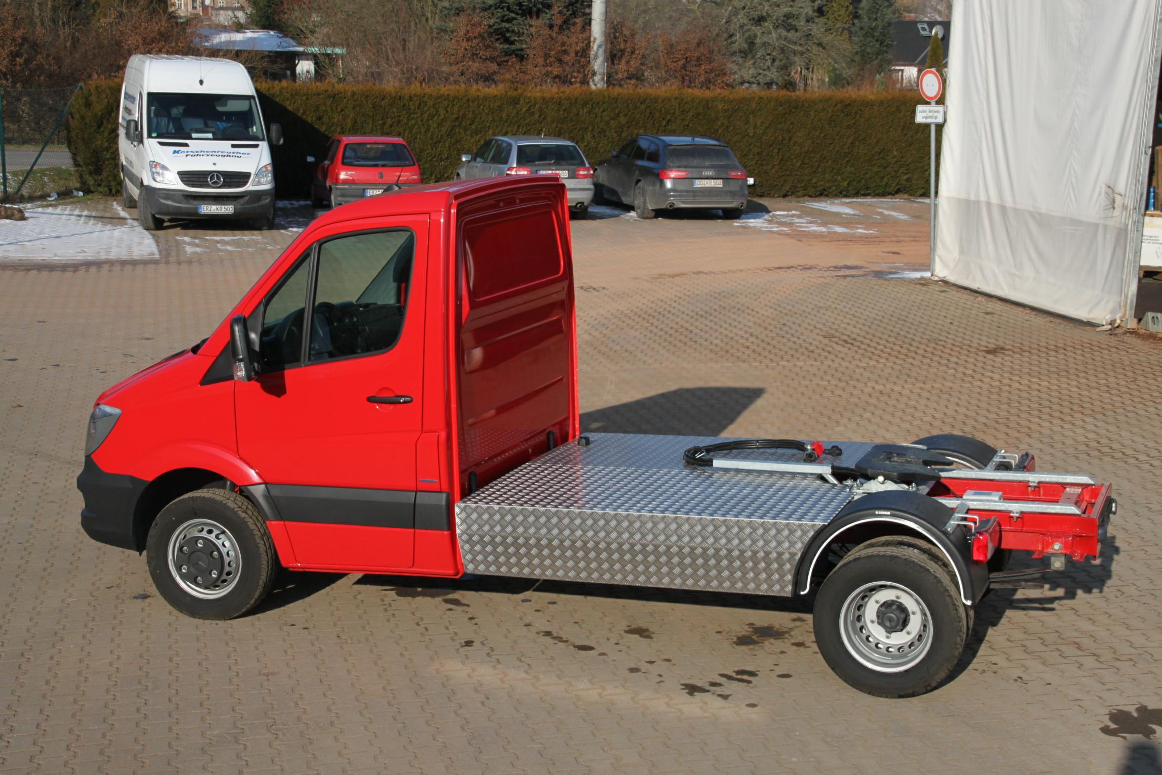 Transporter als Sattelzugmaschine -B-